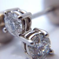 nausnice-bile-zlato-diamanty-2