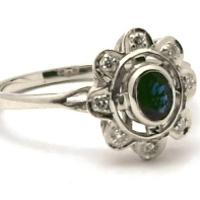 prsten-karmazirunk-bile-zlato-safir-diamanty-1