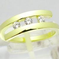 zasnubni-prsten-zlato-diamanty-1